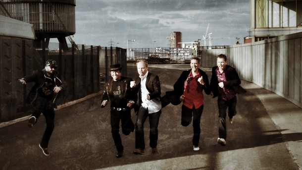 Mike Lindup with Level 42